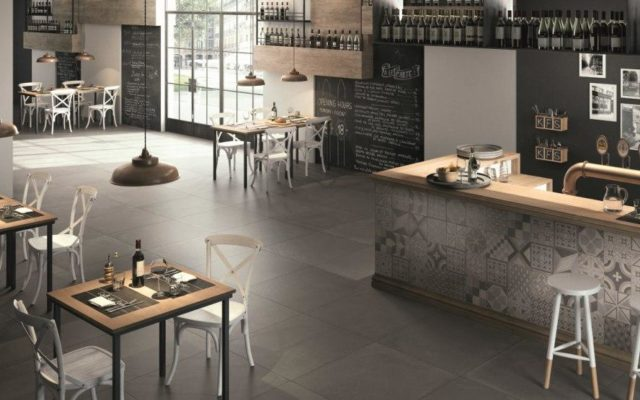carrelage-interieur-gris-grands-carreaux